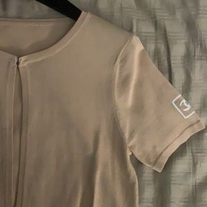 VTG Chanel cardigan color Beige plus hanger